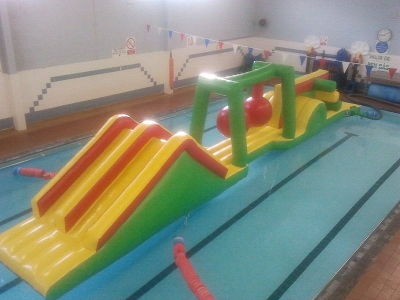 Huge 20m inflatable assault course